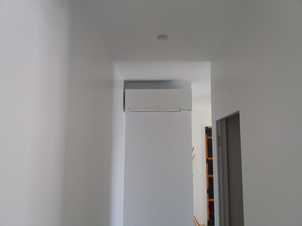 mise en service d 39 une climatisation design perpignan. Black Bedroom Furniture Sets. Home Design Ideas
